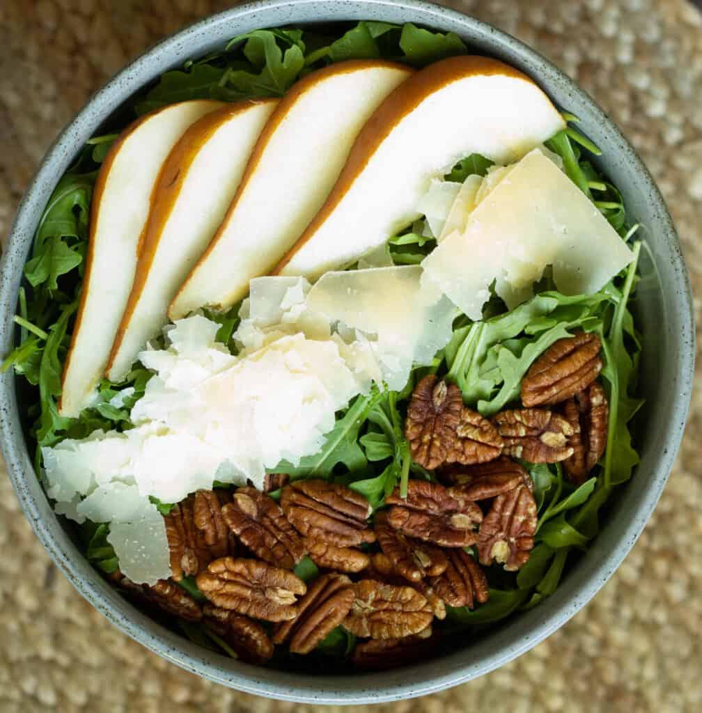 closeup photo of pear salad