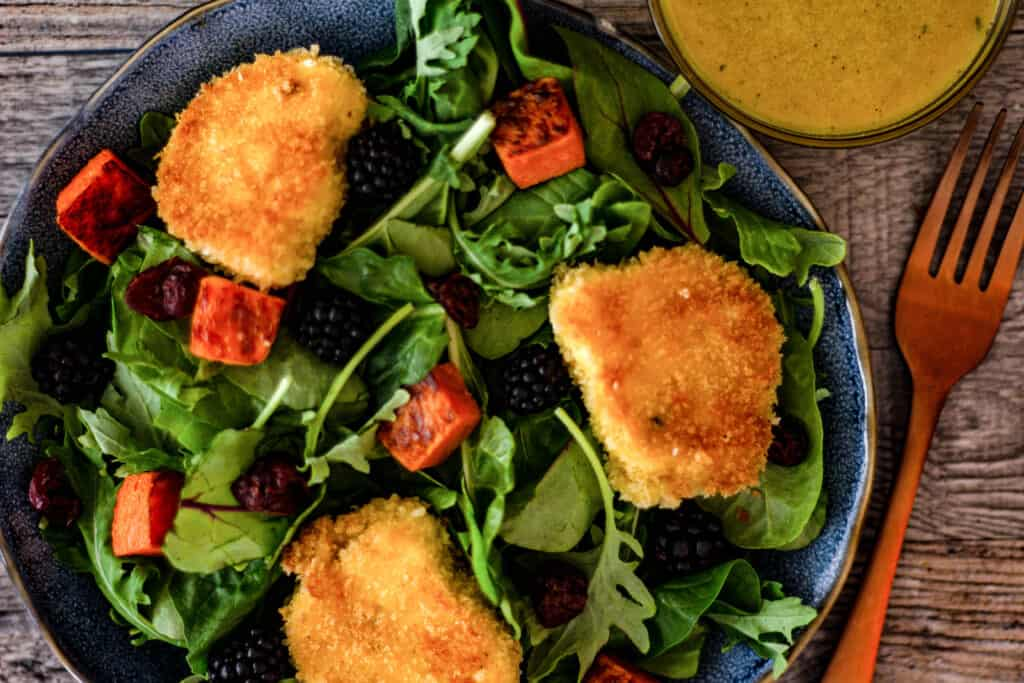 Fried goat cheese salad with blackberries